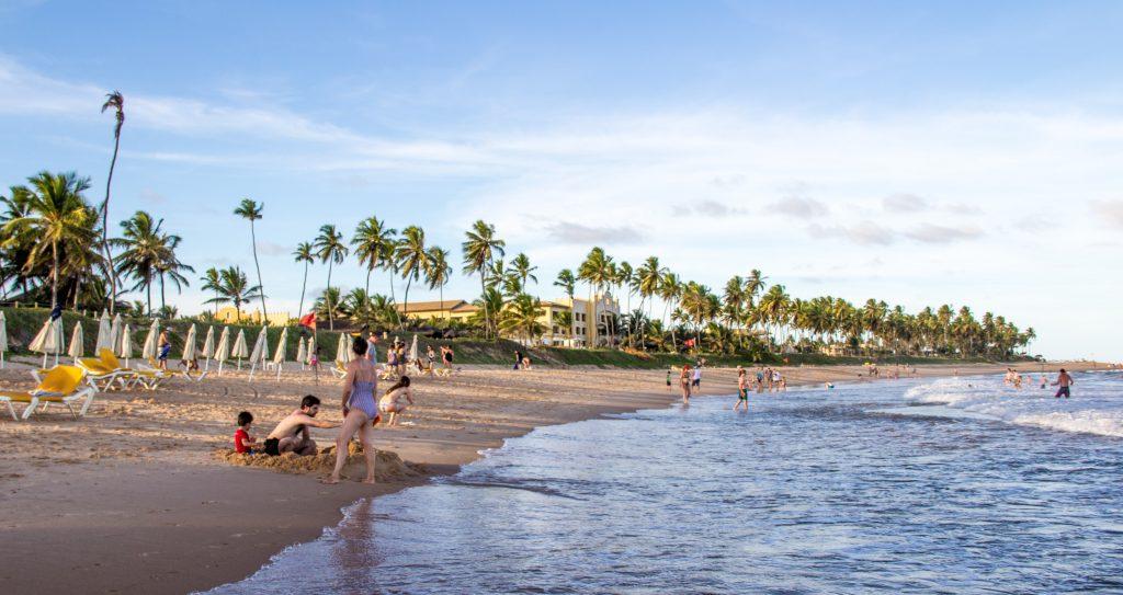 prata em frente ao iberostar praia do forte